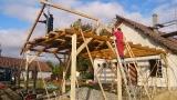 FOTO 8 Kabina - stavba pergoly